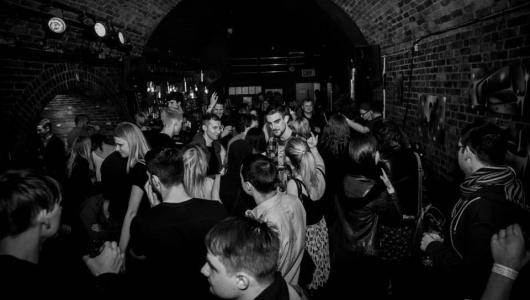 mantas-t-thrown-london-2015